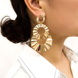 *AUBRIELLE* Gold Crimped Circle Fashion Earrings